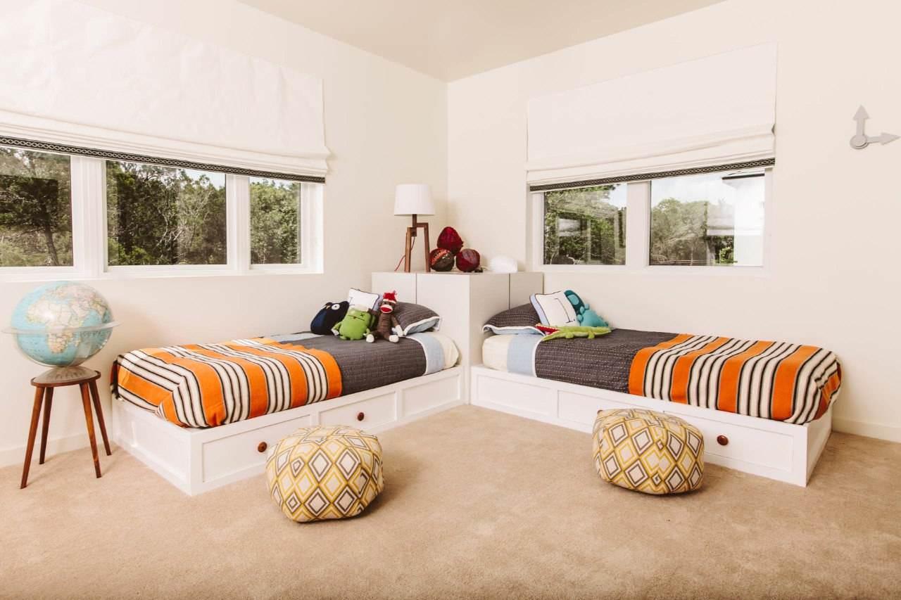 Kê 2 giường trong phòng ngủ gặp nhiều bất tiện trong sinh hoạt