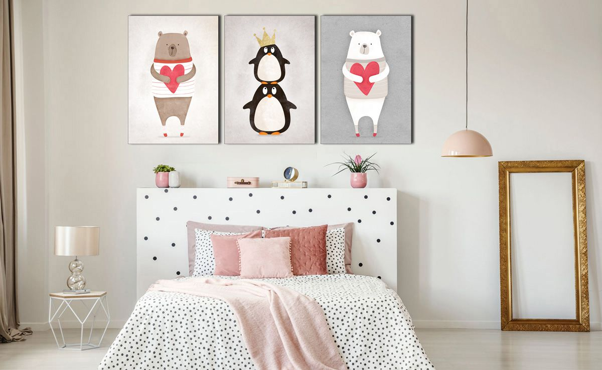 Tranh treo tường phòng ngủ bé gái