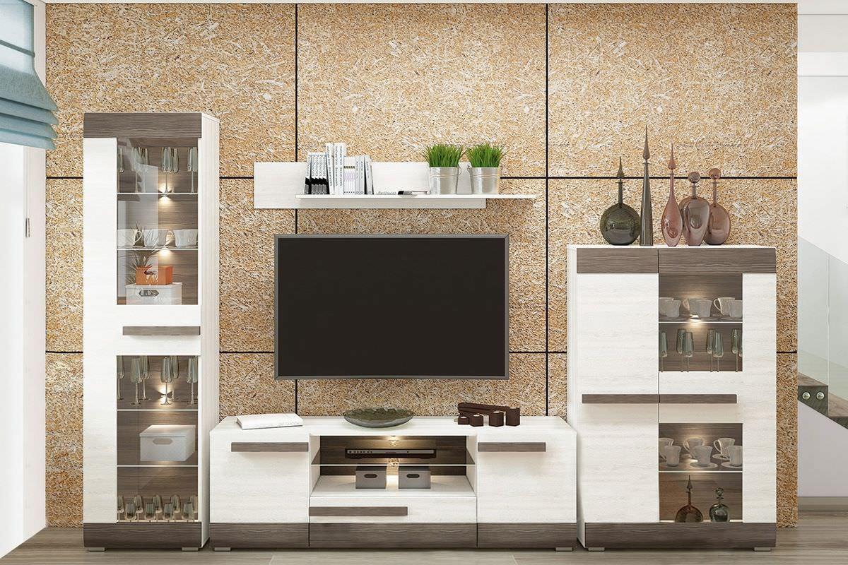 Bộ tủ tivi có kèm theo 2 tủ trang trí cùng màu mang lại cho không gian nội thất sự đồng đều, tính thẩm mỹ cao